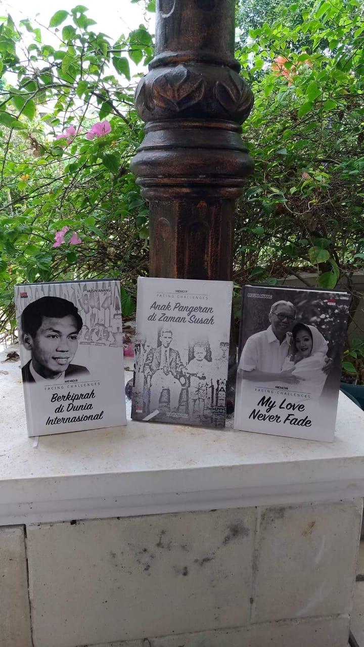 Buku Autobiografi Husin Anang, Mantan Atase Pertanian RI di Uni Eropa